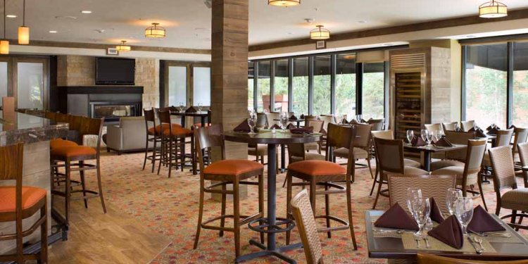 Dining at DoubleTree by Hilton